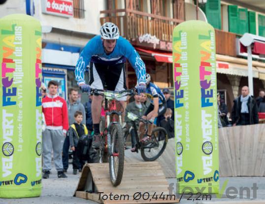 Werbematerial Werbesäule LPTent Festival Radsport Rad