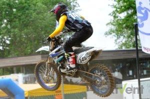 Motocross motorrad sprung rennen
